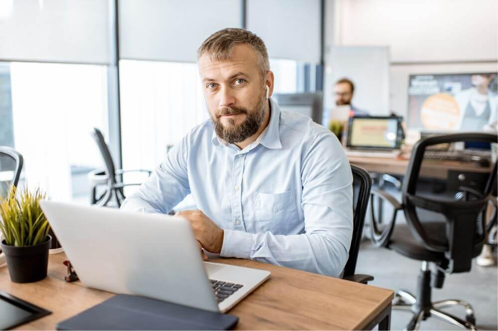 Vakuuttava.fi - Vakuutusten kilpailuttaminen - Yksityishenkilöt ja yritysasiakkaat